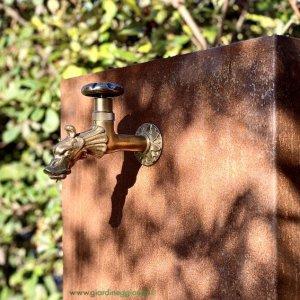 fontana-in-acciao-corten-con-vasca-lunga